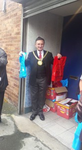 The Lord Mayor, Cllr Tony Concepción, giving out goody bags